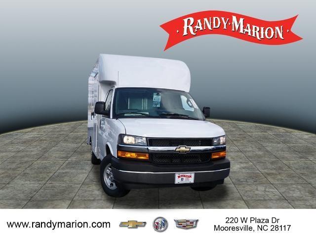2020 Chevrolet Express 3500 4x2, Supreme Spartan Cargo Cutaway Van #TR81605 - photo 3