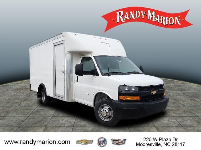 2020 Chevrolet Express 3500 4x2, Rockport Cutaway Van #TR82429 - photo 1