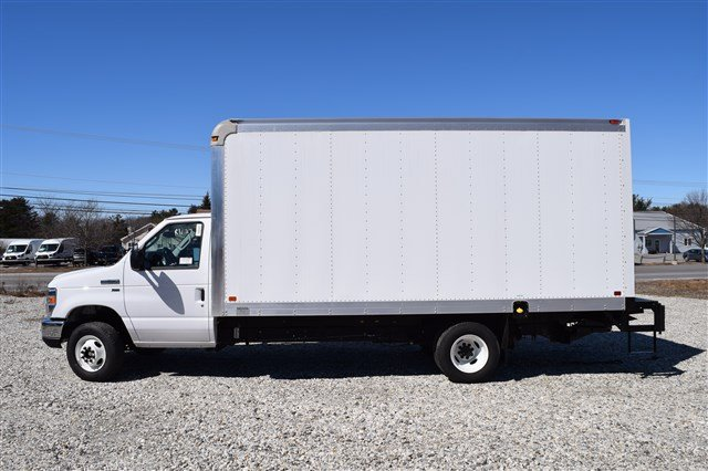 2018 E-350 4x2,  Dejana Truck & Utility Equipment DuraCube Cutaway Van #J975 - photo 5