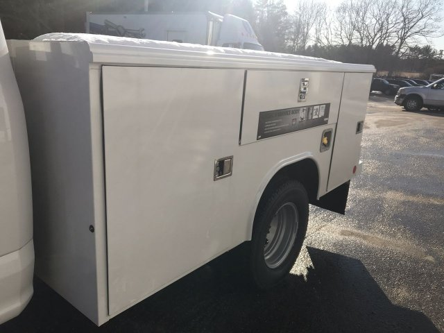 2019 F-350 Regular Cab DRW 4x4, Reading Classic II Steel Service Body #K1136 - photo 4