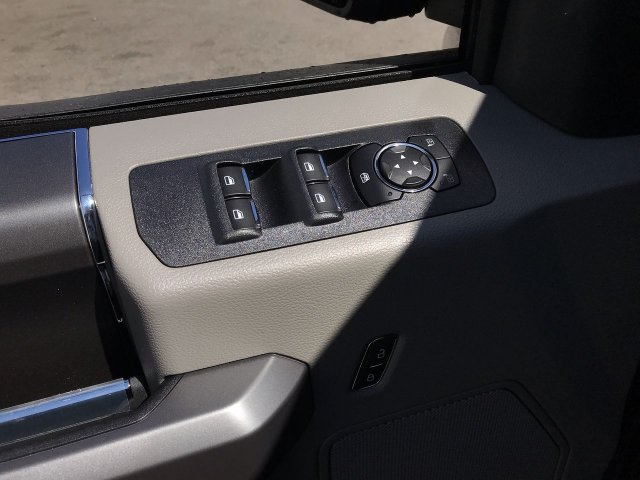 2019 F-150 SuperCrew Cab 4x4,  Pickup #K724 - photo 5