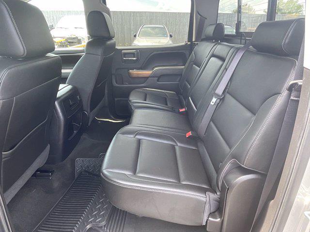 2017 Chevrolet Silverado 1500 Crew Cab 4x4, Pickup #M169C - photo 5