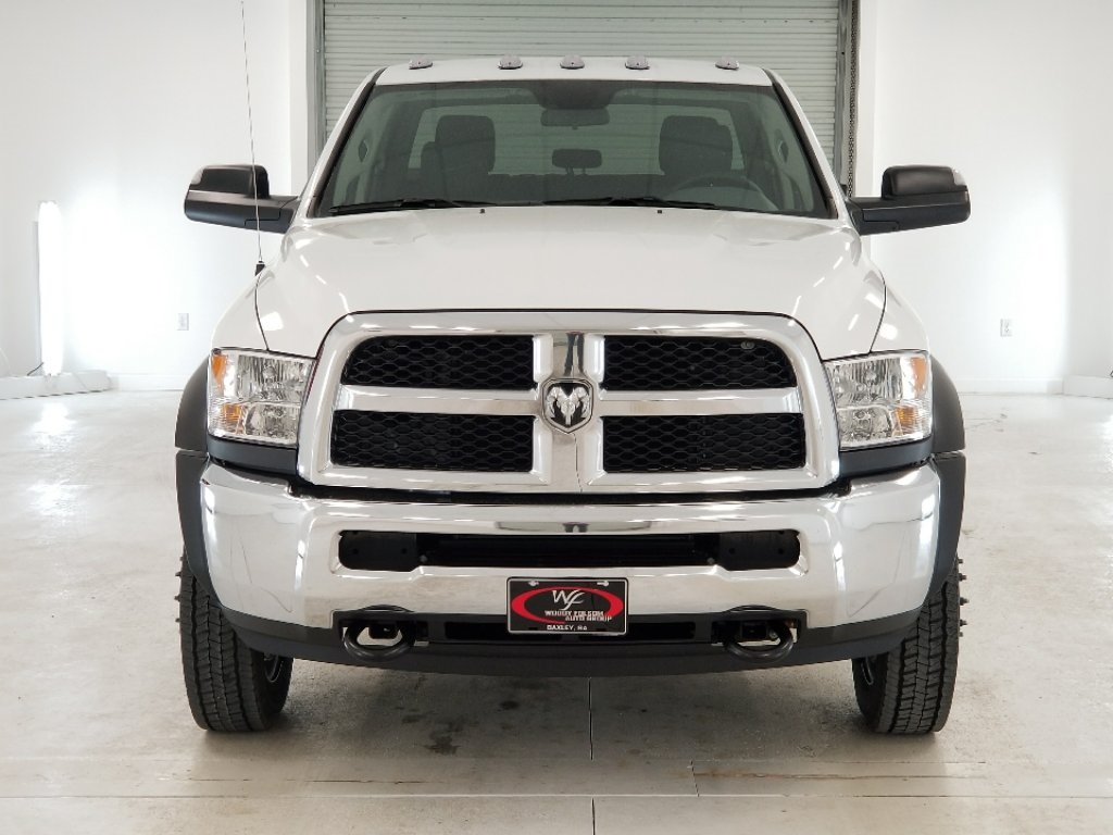 2018 Ram 4500 Crew Cab DRW 4x4,  Warner Service Body #DT011686 - photo 3