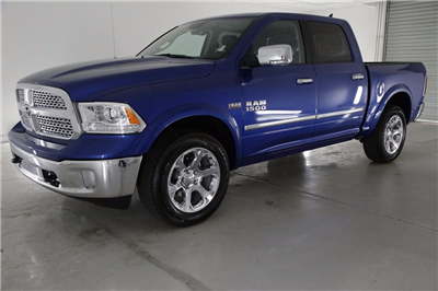 2017 Ram 1500 Crew Cab 4x4, Pickup #DT020670 - photo 1