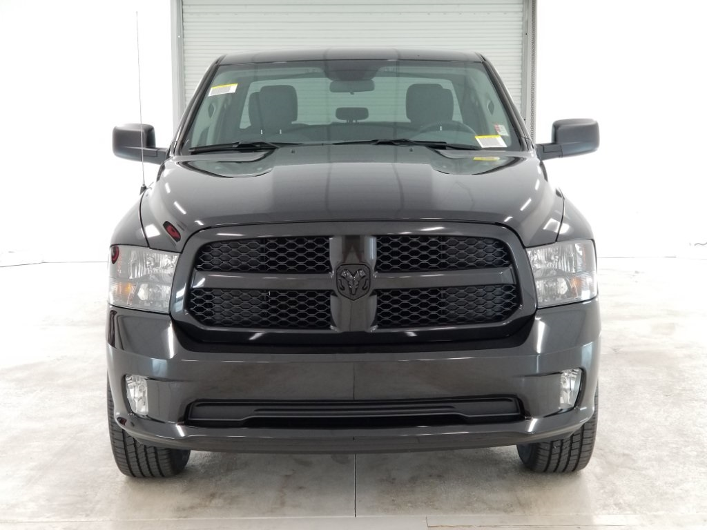 2018 Ram 1500 Crew Cab 4x4,  Pickup #DT031988 - photo 3