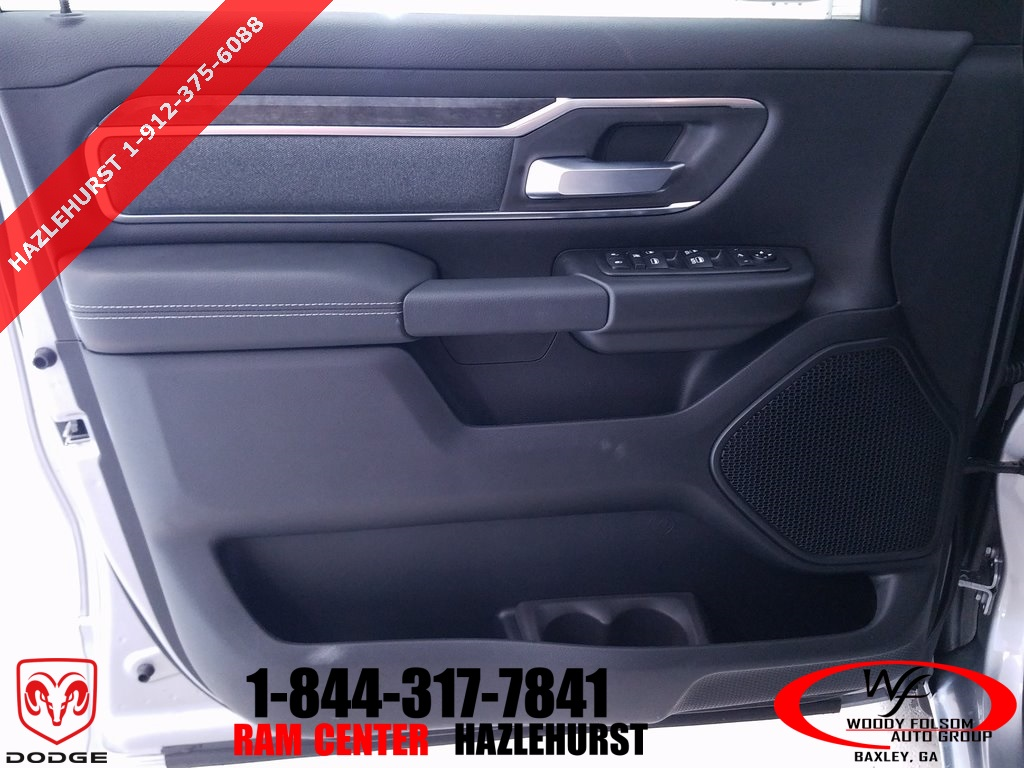 2019 Ram 1500 Crew Cab 4x2,  Pickup #DT032785 - photo 8