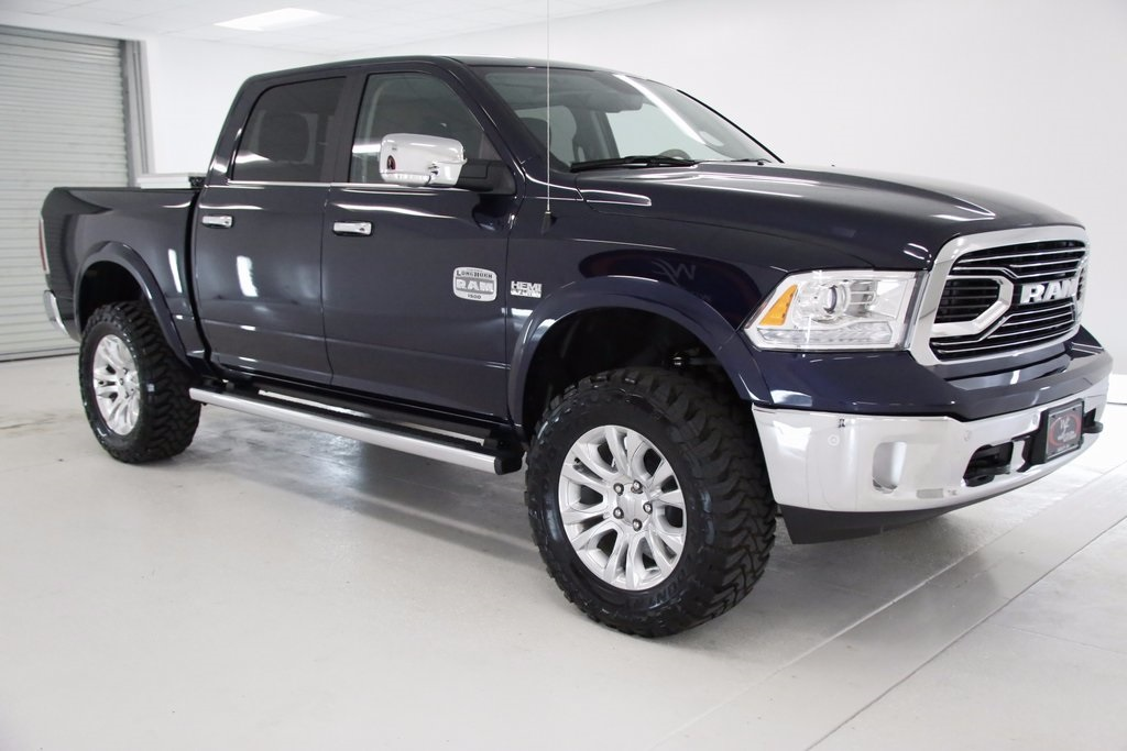 2017 Ram 1500 Crew Cab 4x4, Pickup #DT050474 - photo 3