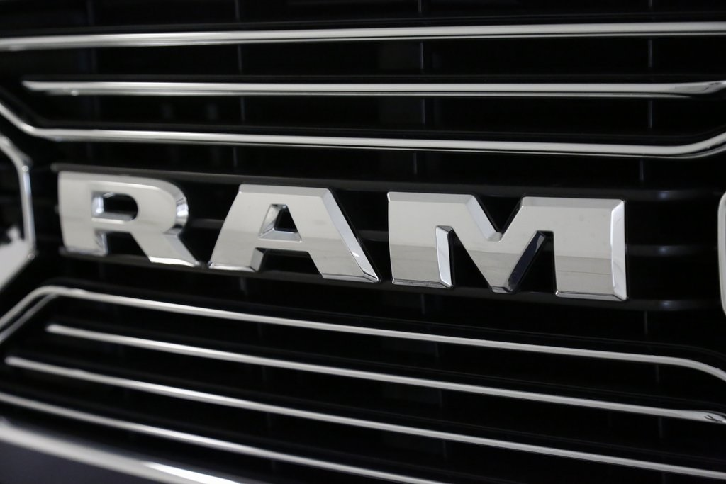 2017 Ram 1500 Crew Cab 4x4, Pickup #DT050474 - photo 5