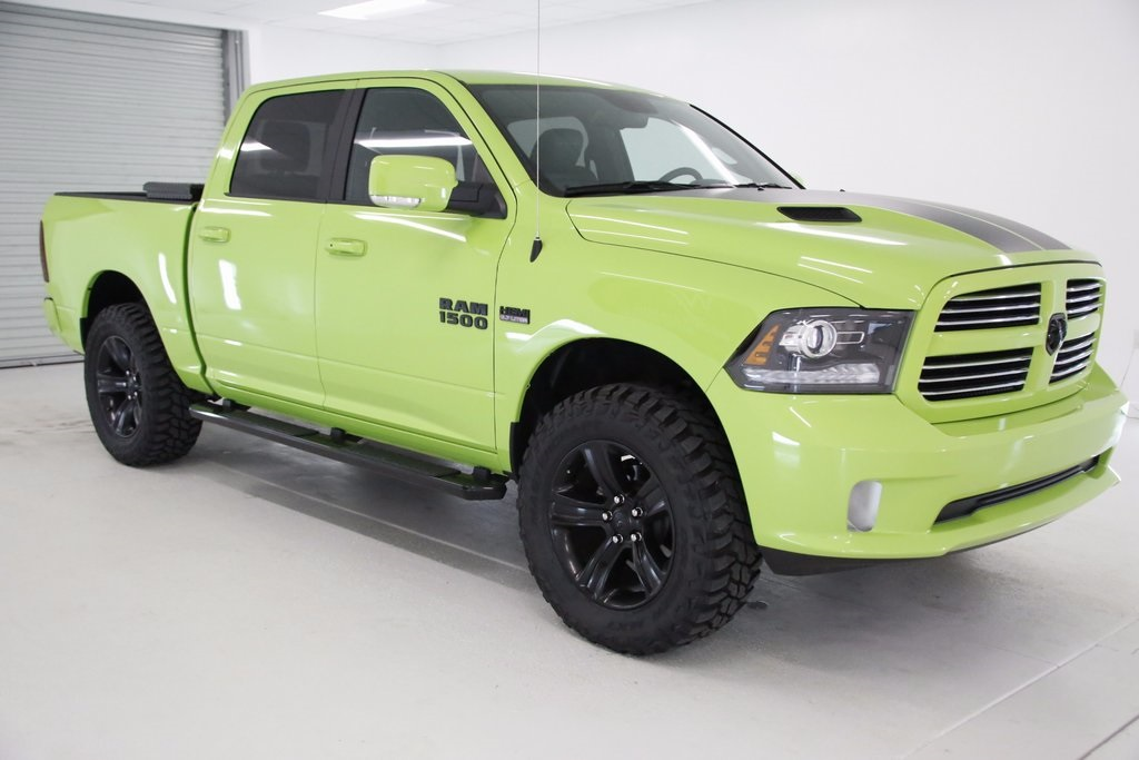 2017 Ram 1500 Crew Cab 4x4, Pickup #DT050979 - photo 8