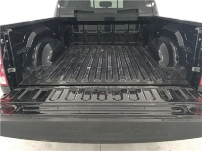 2017 Ram 1500 Crew Cab 4x4, Pickup #DT060173 - photo 9