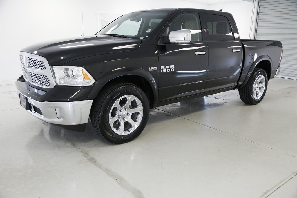 2017 Ram 1500 Crew Cab 4x4, Pickup #DT060977 - photo 1