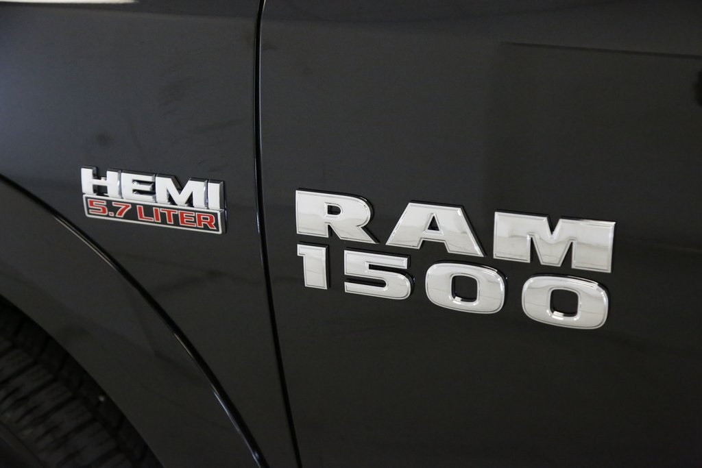2017 Ram 1500 Crew Cab 4x4, Pickup #DT060977 - photo 4