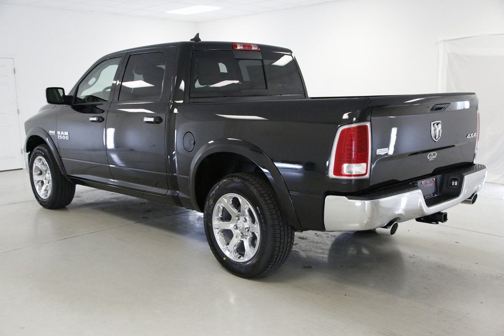 2017 Ram 1500 Crew Cab 4x4, Pickup #DT060977 - photo 2