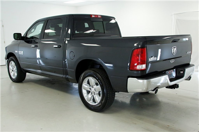 2017 Ram 1500 Crew Cab 4x4, Pickup #DT062371 - photo 2