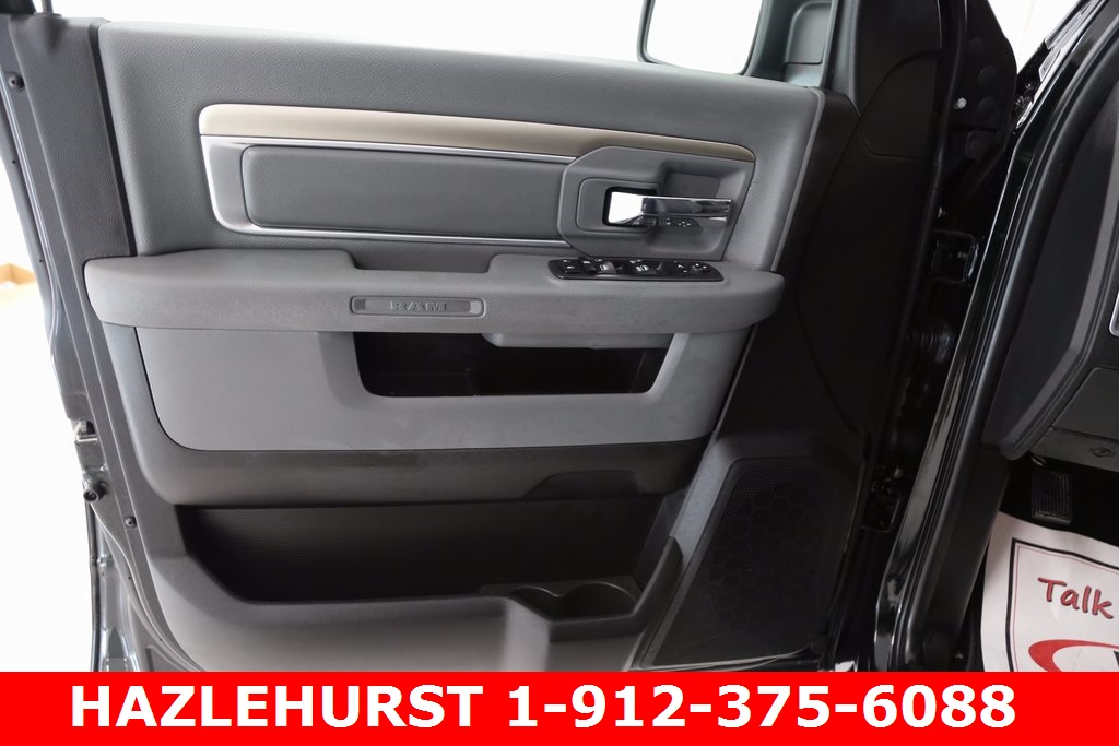 2017 Ram 1500 Crew Cab 4x4, Pickup #DT070677 - photo 10