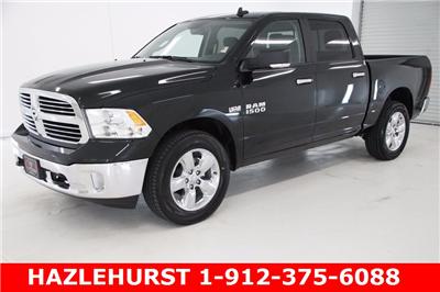 2017 Ram 1500 Crew Cab 4x4, Pickup #DT070677 - photo 1
