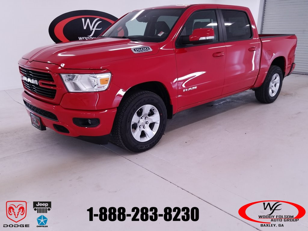 2019 Ram 1500 Crew Cab 4x2,  Pickup #DT082982 - photo 1