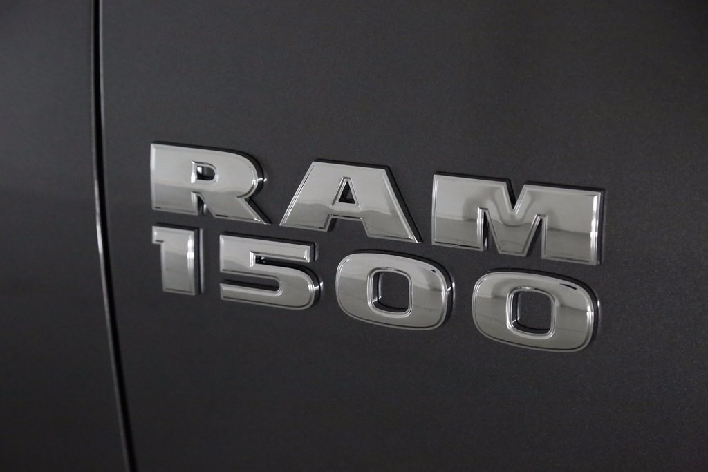 2017 Ram 1500 Crew Cab 4x4, Pickup #DT112367 - photo 5