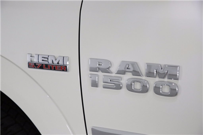 2017 Ram 1500 Crew Cab 4x4, Pickup #DT112967 - photo 5