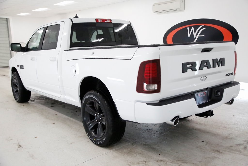 2018 Ram 1500 Crew Cab 4x4 Pickup #DT121275 - photo 2
