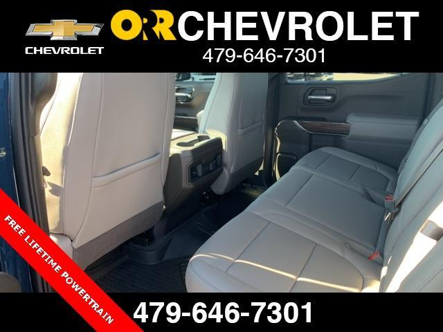 2020 Chevrolet Silverado 1500 Crew Cab 4x4, Pickup #148529 - photo 4