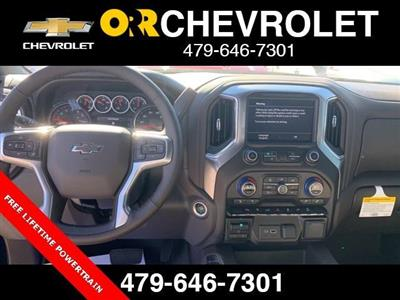 2020 Chevrolet Silverado 1500 Crew Cab 4x4, Pickup #148529 - photo 5