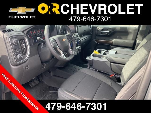 2020 Chevrolet Silverado 1500 Crew Cab 4x2, Pickup #164340 - photo 3