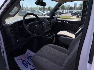 2020 Chevrolet Express 3500 4x2, Passenger Wagon #251659 - photo 2