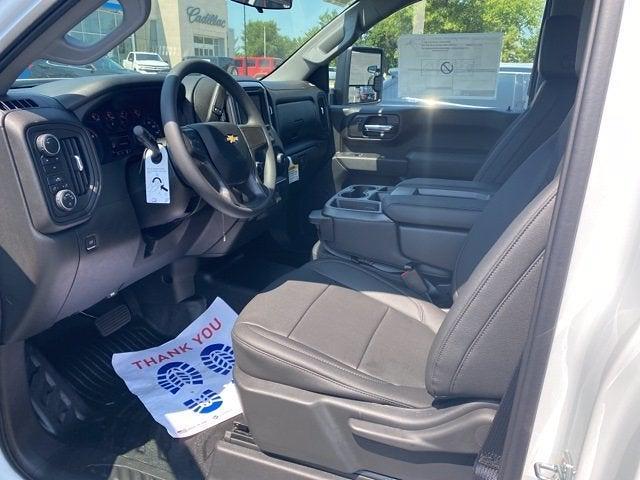 2021 Chevrolet Silverado 3500 Regular Cab 4x4, Cab Chassis #290535 - photo 4
