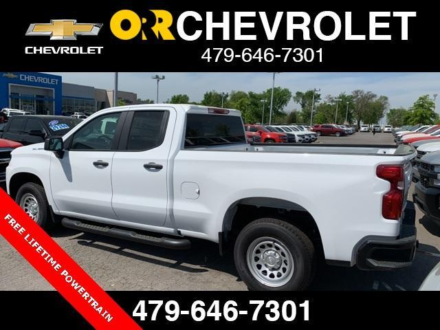 2019 Silverado 1500 Double Cab 4x2,  Pickup #290858 - photo 2