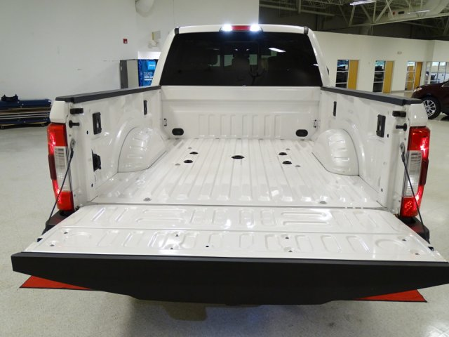 2017 F-250 Crew Cab 4x4, Pickup #T789388 - photo 34