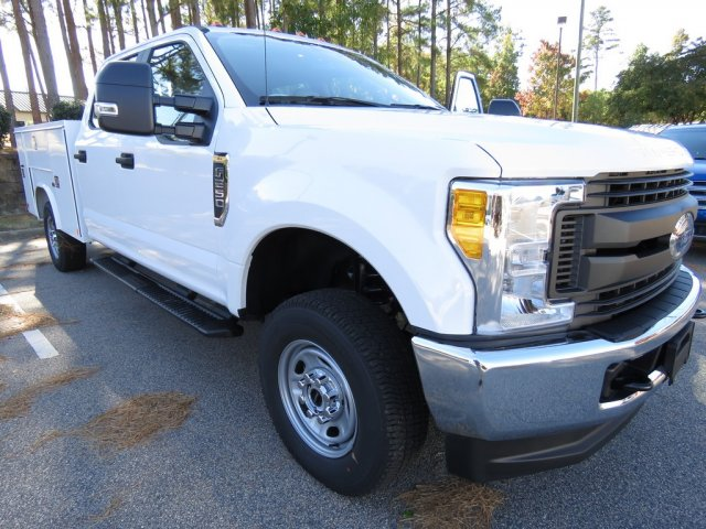 2017 F-250 Crew Cab 4x4, Reading SL Service Body Service Body #T790804 - photo 3