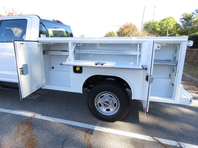 2017 F-250 Crew Cab 4x4, Reading SL Service Body Service Body #T790804 - photo 2