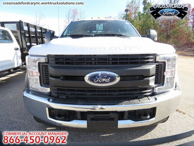 2017 F-550 Crew Cab DRW, Reading Stake Bed #T790859 - photo 3