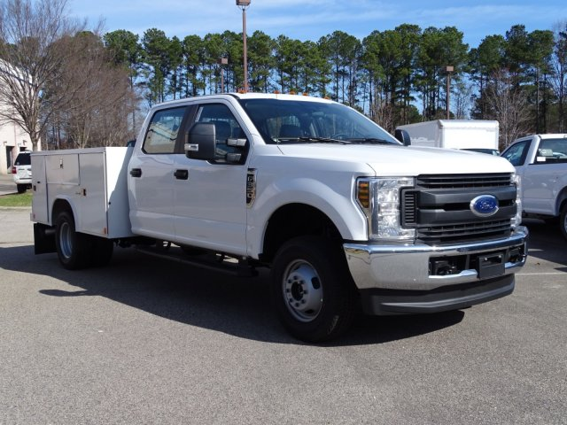 2018 F-350 Crew Cab DRW 4x4,  Reading Service Body #T796536 - photo 3