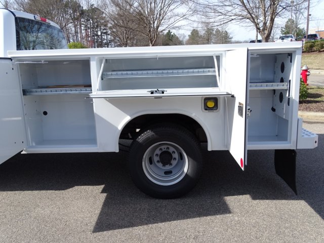 2018 F-350 Crew Cab DRW 4x4,  Reading Service Body #T796536 - photo 27