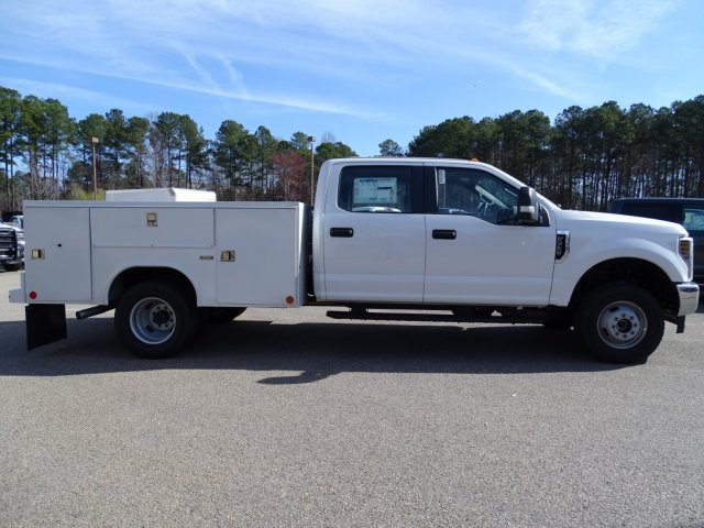 2018 F-350 Crew Cab DRW 4x4,  Reading Service Body #T796536 - photo 5