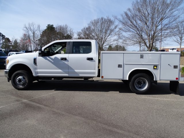 2018 F-350 Crew Cab DRW 4x4,  Reading Service Body #T796536 - photo 7
