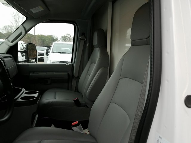 2018 E-450, Rockport Cutaway Van #T869036 - photo 12