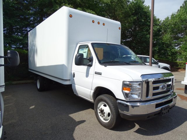 2018 E-450 4x2,  Unicell Cutaway Van #T869241 - photo 3