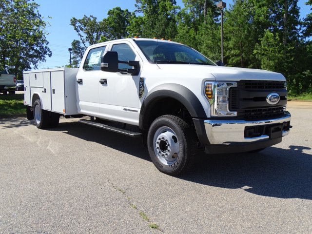 2018 F-450 Crew Cab DRW 4x2,  Reading Service Body #T869253 - photo 3