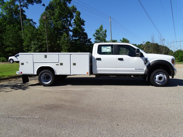 2018 F-450 Crew Cab DRW 4x2,  Reading Service Body #T869253 - photo 4