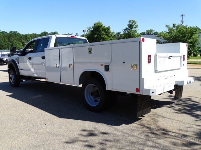 2018 F-450 Crew Cab DRW 4x2,  Reading Service Body #T869253 - photo 2