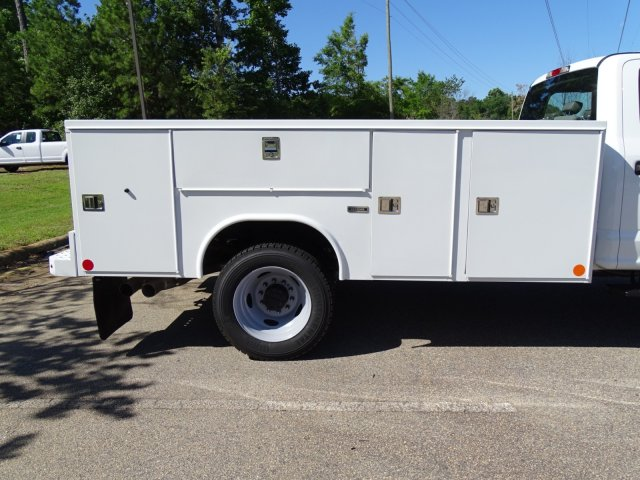2018 F-450 Crew Cab DRW 4x2,  Reading Service Body #T869253 - photo 38
