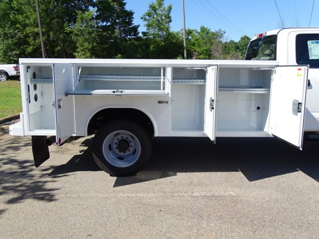 2018 F-450 Crew Cab DRW 4x2,  Reading Service Body #T869253 - photo 39