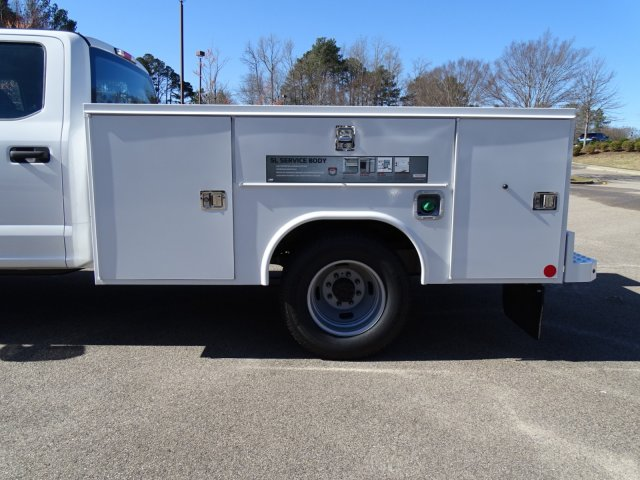 2018 F-350 Crew Cab DRW 4x2,  Reading Service Body #T879793 - photo 27