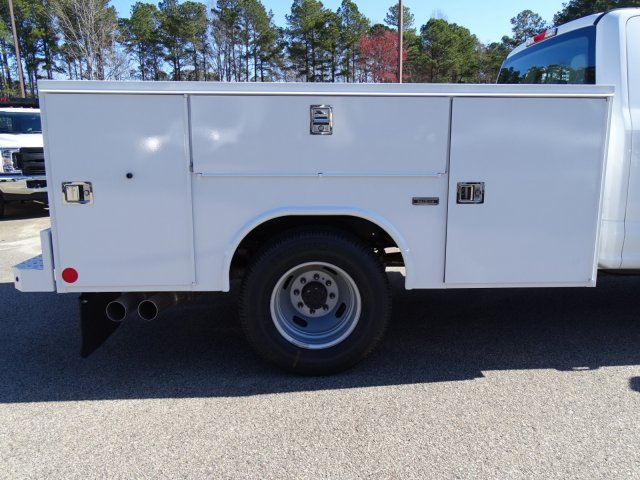 2018 F-350 Crew Cab DRW 4x2,  Reading Service Body #T879793 - photo 30