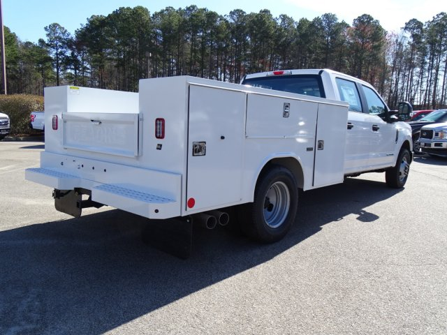 2018 F-350 Crew Cab DRW 4x2,  Reading Service Body #T879793 - photo 4