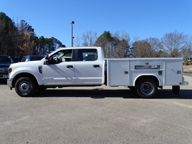 2018 F-350 Crew Cab DRW 4x2,  Reading Service Body #T879793 - photo 7