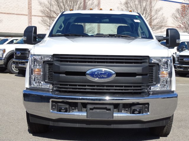2018 F-350 Crew Cab DRW 4x2,  Reading Service Body #T879793 - photo 8